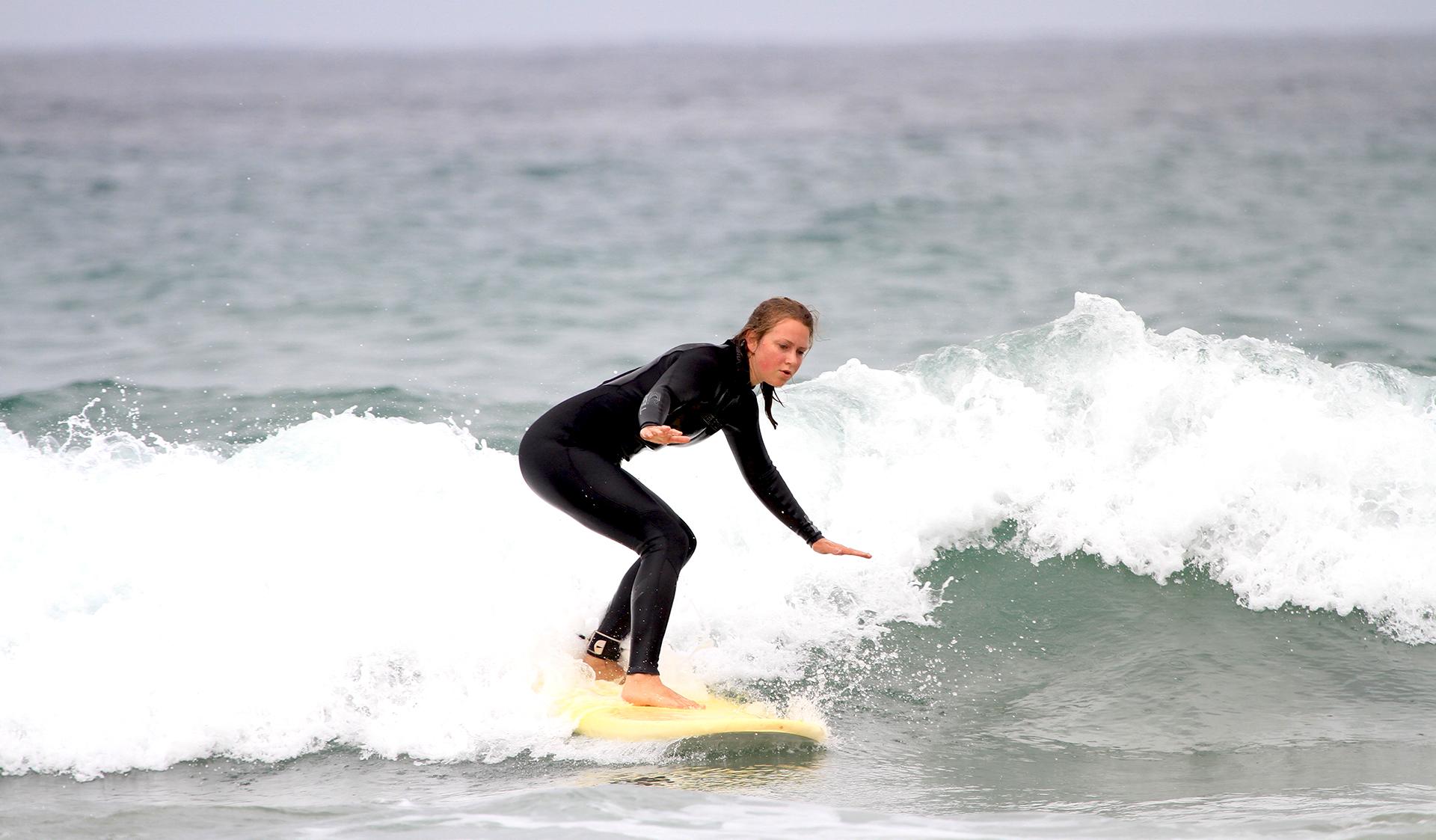 girl just wanna surf